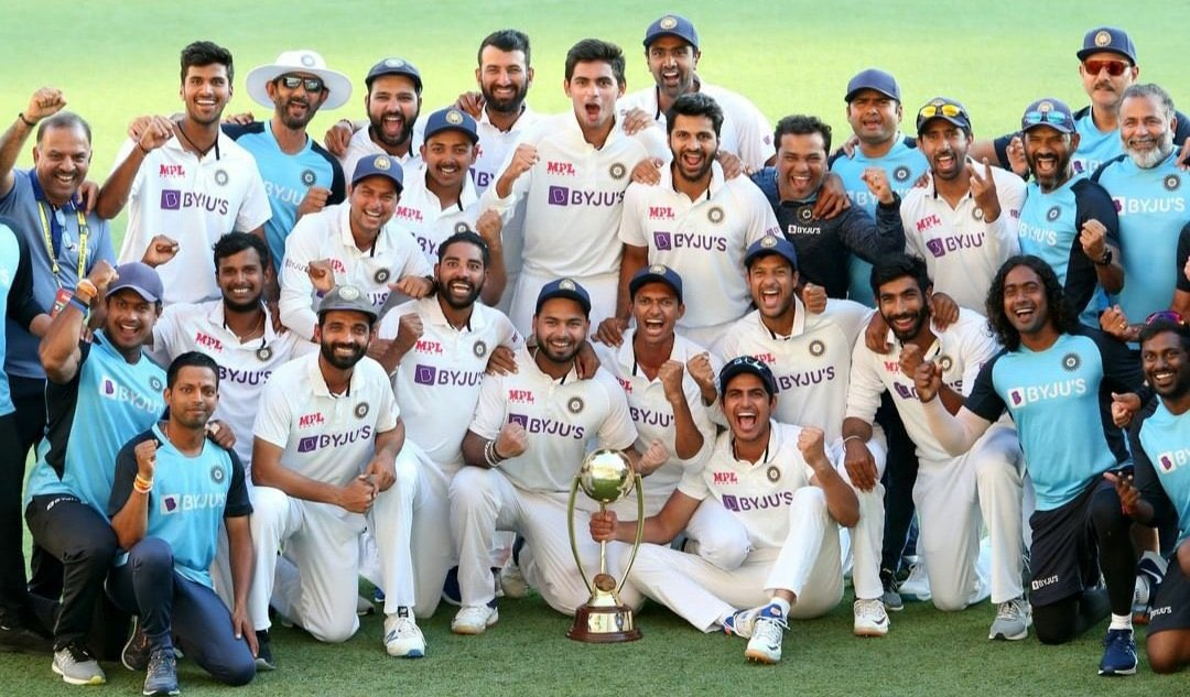 Can anyone please tell those #Racists that mere #White colour of skin is not enough for such a magnificent #Victory! I think,it's the hardest hit on the face of those who tried to destroy the beauty & purity #Ceicket! Well done #TeamIndia❤️✌🏻 #IndiavsAustralia #IndianCricketTeam