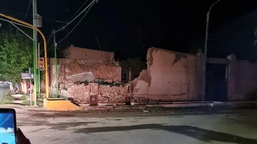 FUERTE SISMO 6,4 Argentina y Chile  VIDEO: https://t.co/nShbZ6fPLS 6.4 Magnitude #Earthquake Argentina, & Chile #Sismo # #Tembló #Temblor #Terremoto San Juan 18/01/2020 #deprem #gempa #quake #SanJuan #sanjuanargentina https://t.co/jVQiyiRvXg
