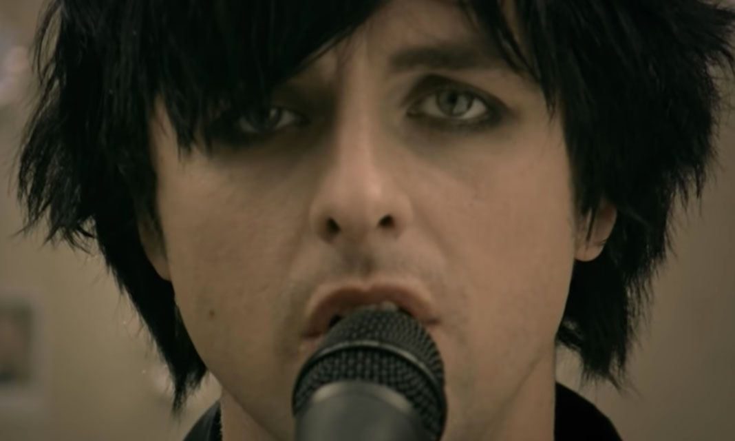 Green Day's '21 Guns' has been certified Gold in the UK