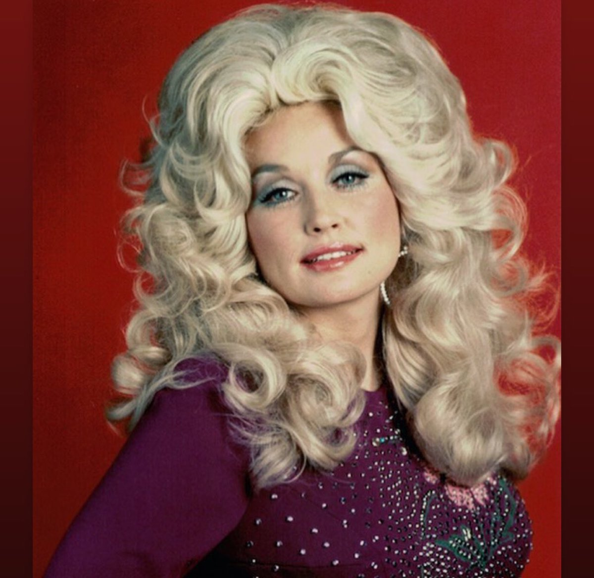 Happy birthday, @DollyParton! We hope your day is perfect. (Like you.)