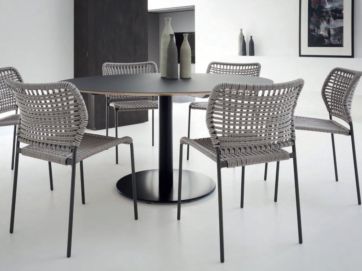 """""""Corda"""" integrates well in any environment, whether it is for the outside terrace of a house or in the dining room. Click below.  https://t.co/K7KDbCJqWj"""