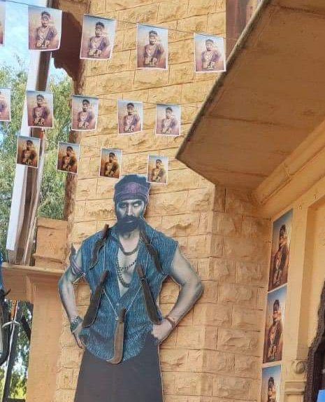 ANOTHER PHOTO- #BachchanPandey (film posters) spotted on sets in #jaisalmer recently.
