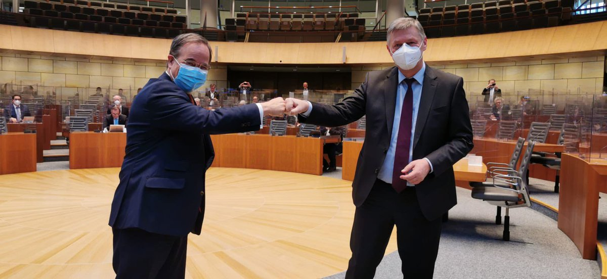 Heute ist ein historischer Tag. Das zweite Mal in der Geschichte unserer Fraktion ist der gewählte @CDU-Bundesvorsitzende Mitglied unserer Fraktion im #ltnrw. Noch einmal herzlichen Glückwunsch, lieber @ArminLaschet. 🎉  Der Erste war übrigens Konrad #Adenauer https://t.co/OKn0he3xI0