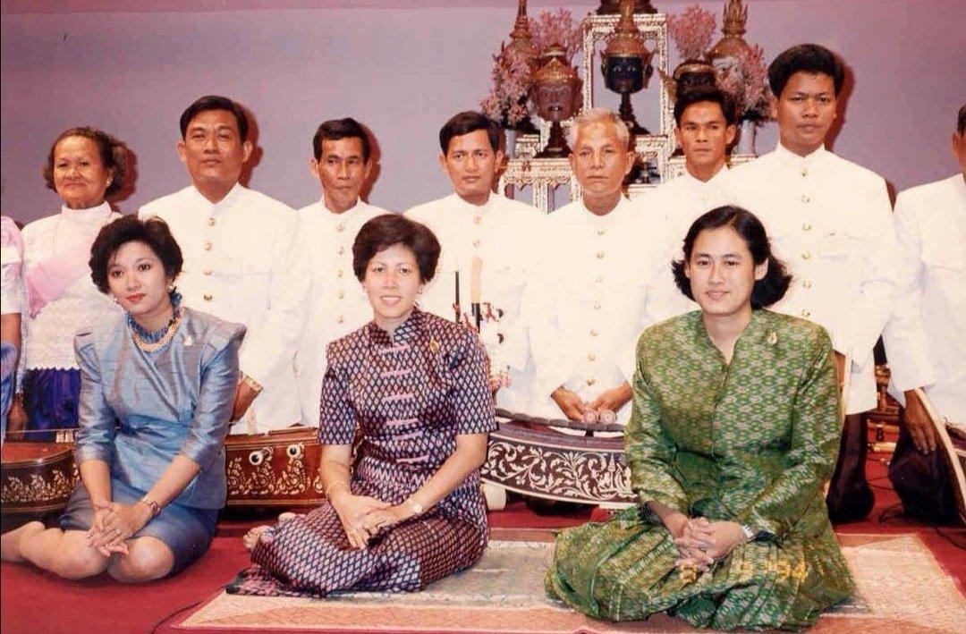 🇹🇭🇰🇭 #RoyalOldPhoto #Thailand's Princess Sirindhorn and #Cambodia's Princess Arunrasmy at the seminar on Thai-Cambodian traditional music on 9 Aug 1994 at the Thai Cultural Centre #Bangkok  #PrincessSirindhorn #ThaiRoyalFamily #NorodomArunrasmy #Cambodge #កម្ពុជា