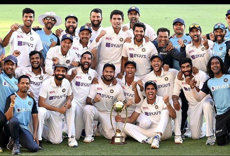 What a Historic win team india 🇮🇳🏆⭐️👏👏👏👏 #ProudMoment 🇮🇳🇮🇳 congratulations each and every team member 🇮🇳👏👏🏆 #INDvsAUS #TestCricket 2-1
