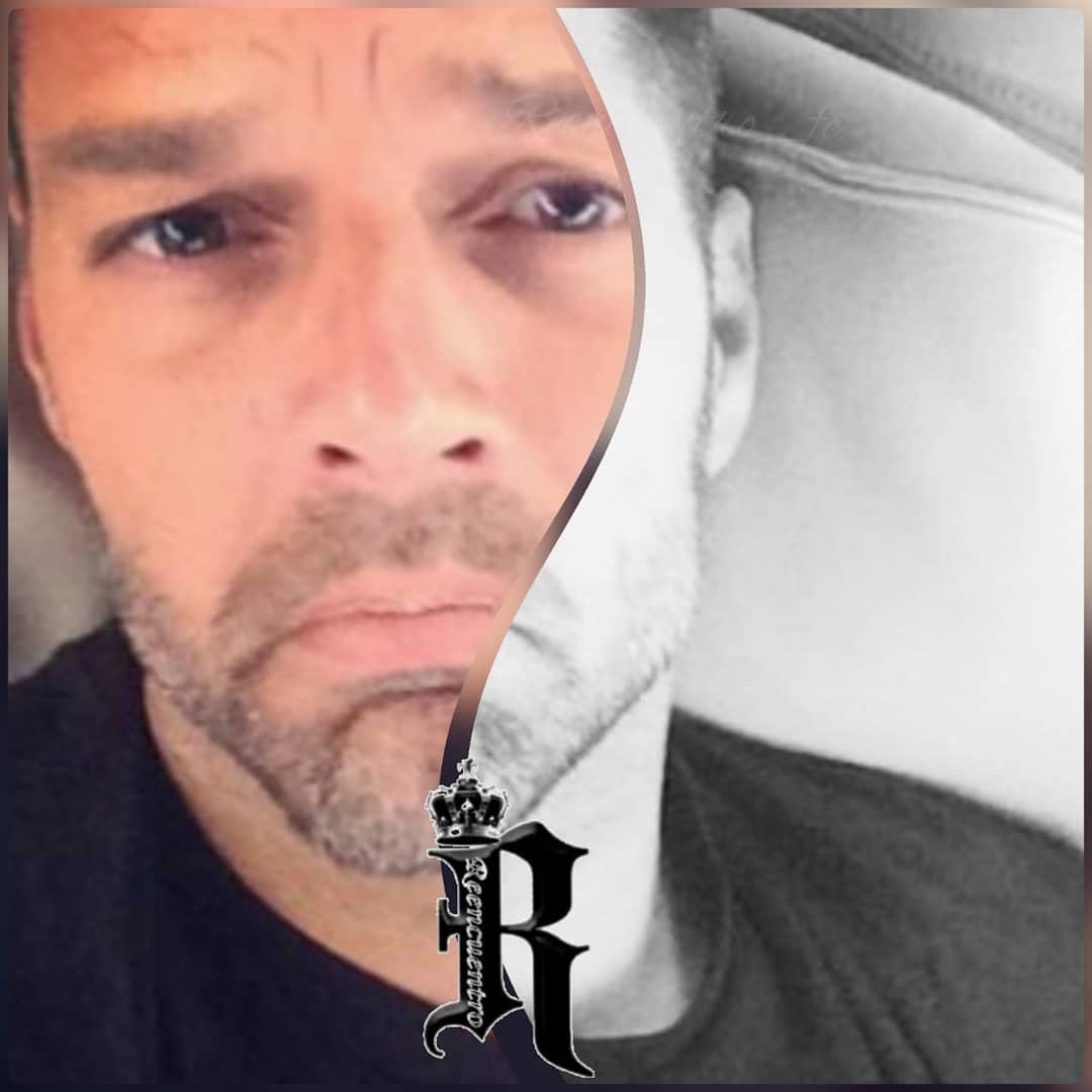 @ricky_martin @RMwebteam @InpulseMedia @fc_reencuentro #rickymartin #reencuentro_fc #reencuentrosedemexico #reencuentrosedechile #portihagoloquesea #nadienospara       #pausaplay         #orbitalaudio