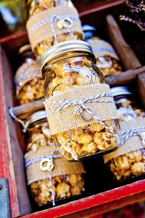 Love is poppin'... and so are these wedding ideas! 🍿❤️ Happy National Popcorn Day! {Katie Rivers, Leah Marie Photography} https://t.co/1VDZfDnqLm