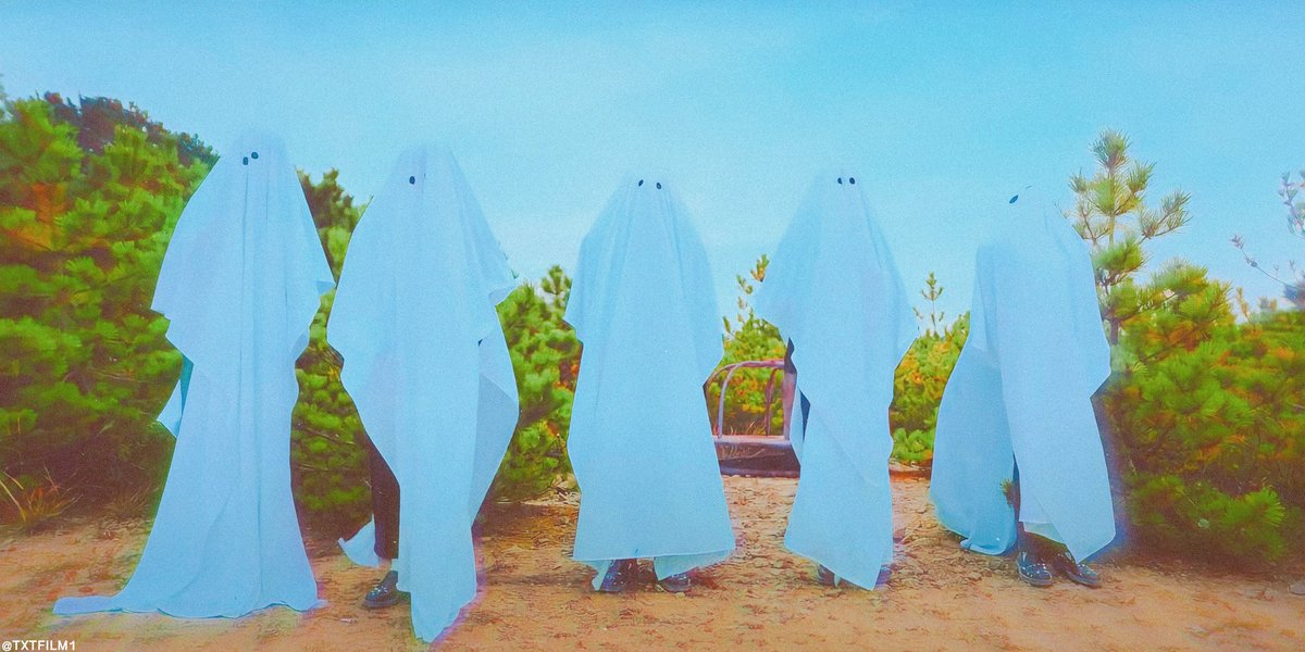 Just txt doing the ghost photoshoot  but they're late with the trend   #투바투_일본_첫정규_모아가_응원해 #StillDreamingWithTXT  #StillDreamingOutNow @TXT_members @TXT_bighit