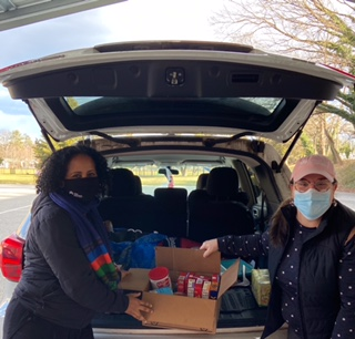 Thank you to our @KPMidAtlantic employees who volunteered yesterday in honor of Martin Luther King Jr. Day! Employees and physicians donated resources, food and COVID safety kits to local food pantries and homeless shelters in the DC and Baltimore regions. Thank you all! https://t.co/2aIYXilslW