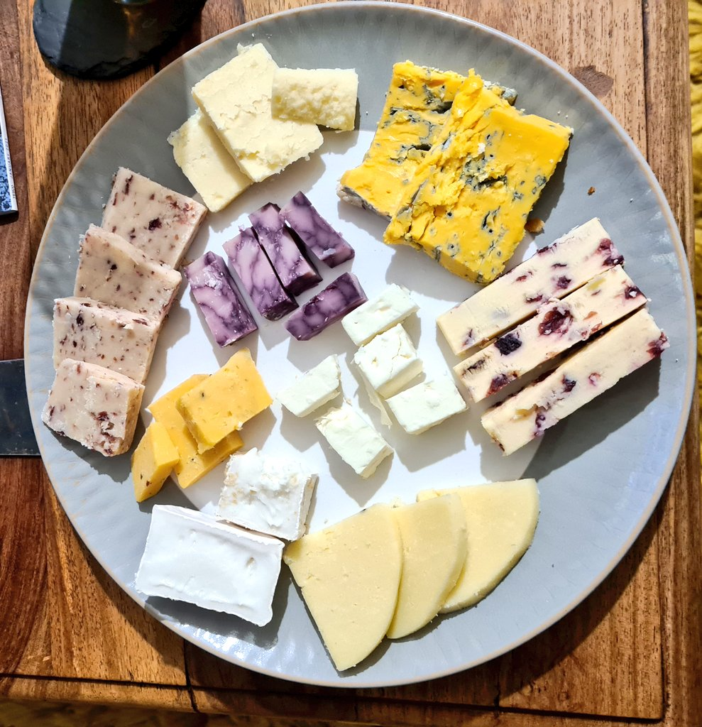 Yesterday's 9 cheese feast. (don't want you all thinking I've been slacking off!). 😉🧀❤️