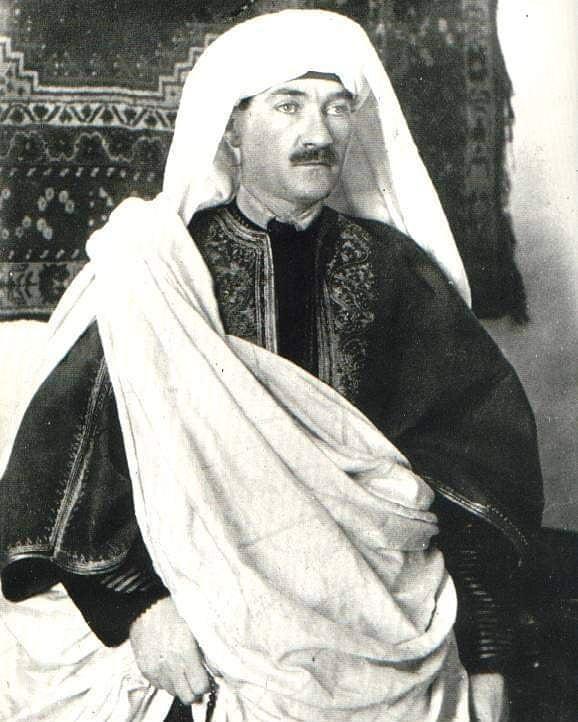 Trablusgarp'a ''Gazeteci Şerif Bey'' kimliği ile yerel kıyafetlerle giden ve direnişi örgütleyen Mustafa Kemal Atatürk.