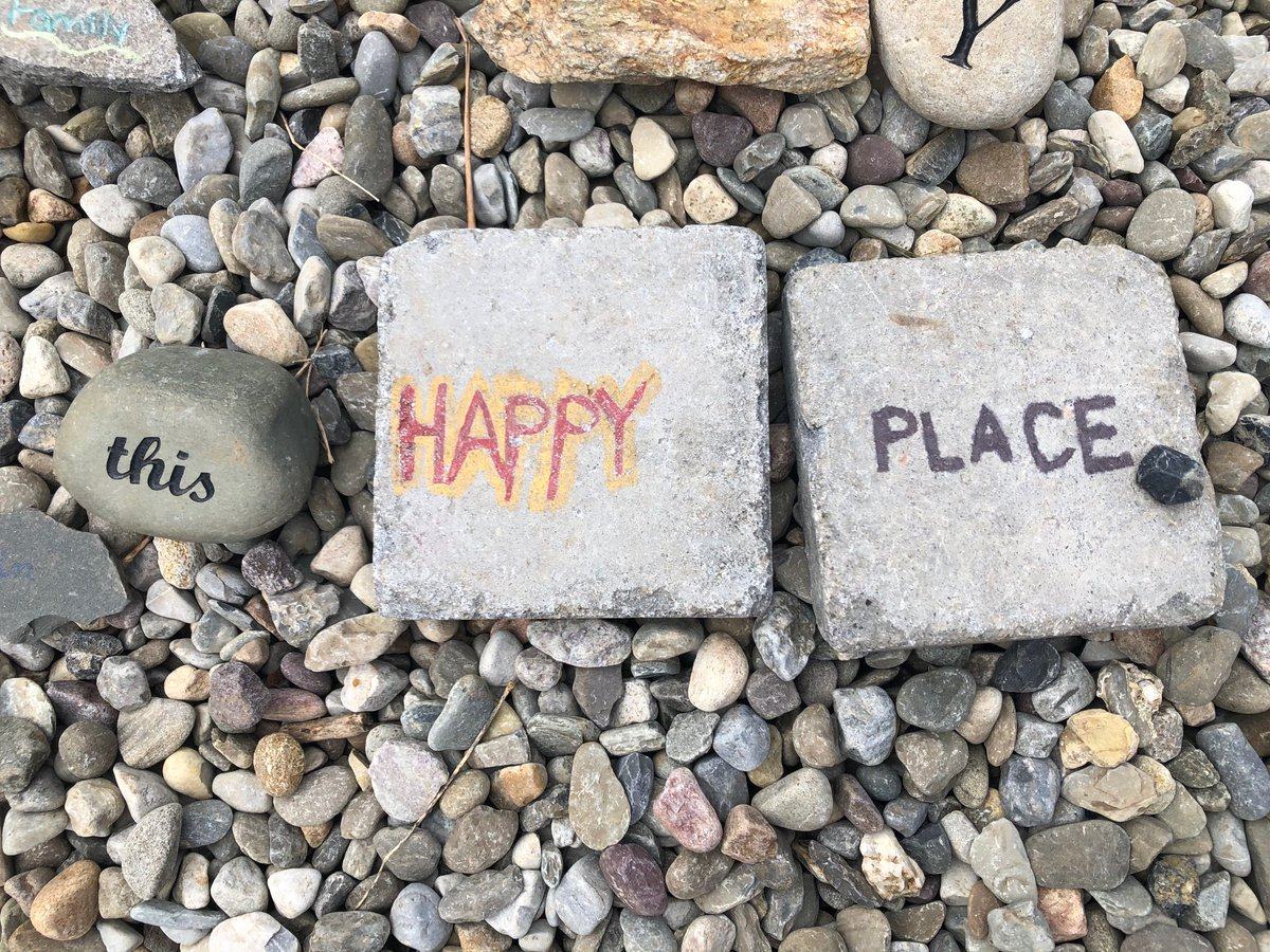 Nature is our happy place ☀️  #bartlettarboretumandgardens #wordgarden #stamford #connecticut #203local #happythoughts #tuesdaythoughts