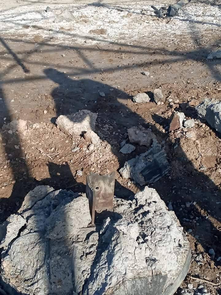 الصور   صور من موقع تفجير أبراج الكهرباء في ناحية جرف الصخر شمال محافظة بابل والتي يقع ضمن قاطع مسؤولية ميليشيا عاشوراء. من وراء هذا الفعل الذي حدث وما هي الاستفادة  من هذا التخريب   #وطن