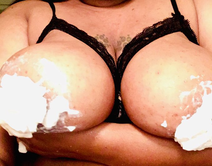 Cum see My Big Titts with out The whip cream on them  for Just 5$ Onlyfans !!!! Onlyfansbabe content