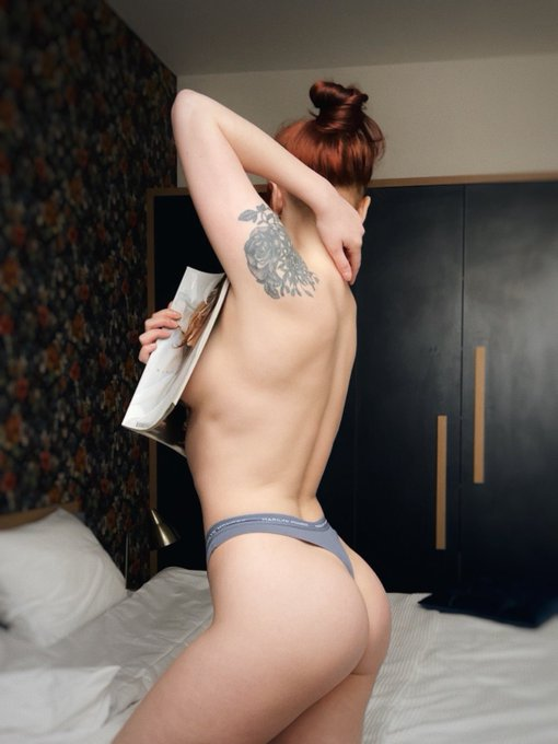 2 pic. 💕💕💕  https://t.co/gWllwZMu2l  #onlyfans #girl #nude #nudes #redhead #wife #amateur #couple #nsfw