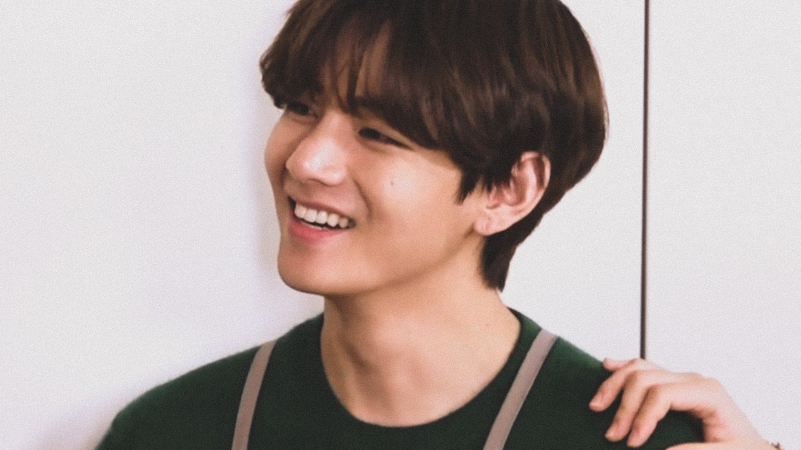 taehyung's smile heals my soul ♡︎