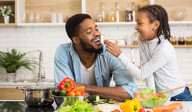 Fast food is rarely cheaper than eating healthy, home-cooked meals. Find out how to enjoy healthy food without breaking the bank. #healthyeating #budgeting #HealthyLiving #BetterTogether60Years https://t.co/UCE7pIcNIR https://t.co/YhNafsV7pg