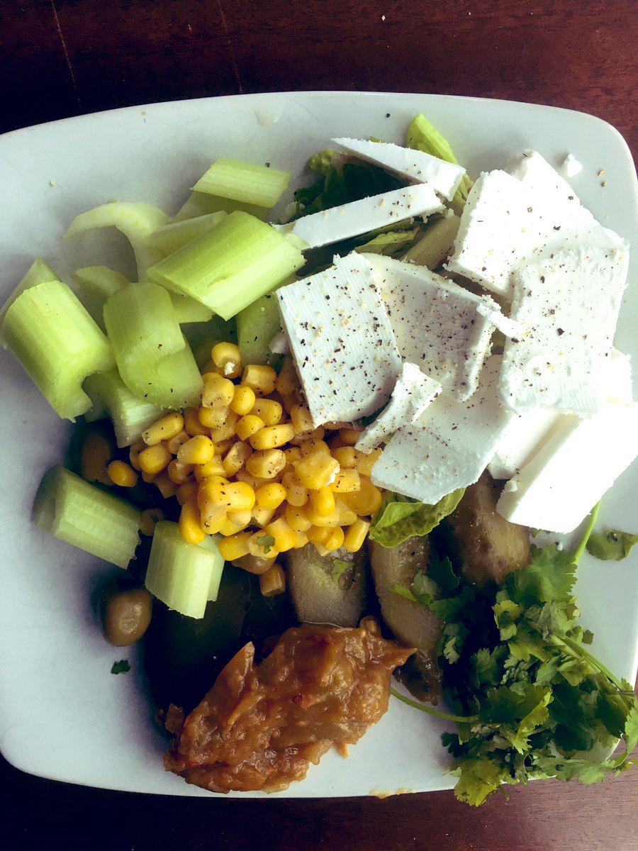 A smorgasbord of vegan goodies, including my homemade green tomato chutney for lunch  #nutritioncoach1 #vegan #whatsforlunch #veganuary #foodie #healthyeating #lunch https://t.co/PJoZh1Dogu