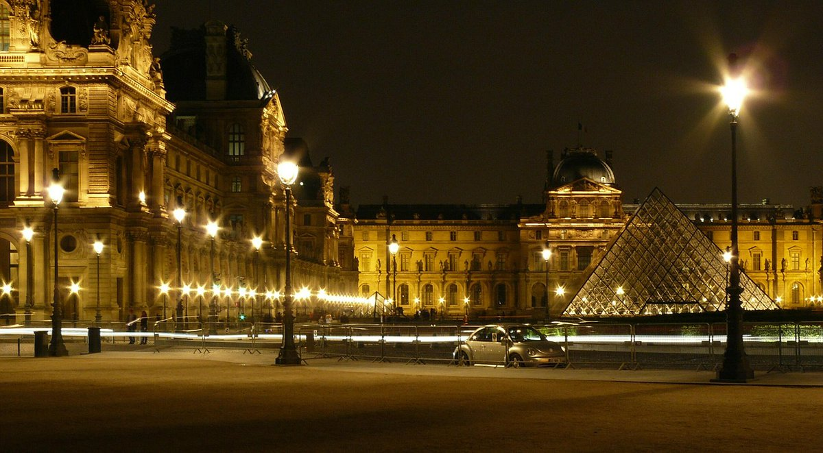 Lovely Louvre...any Netflix Lupin fans out there who can't wait until Part 2? #Paris #parisjetaime #Travel #lupinnetflix📸cocoparisienne❤️💞
