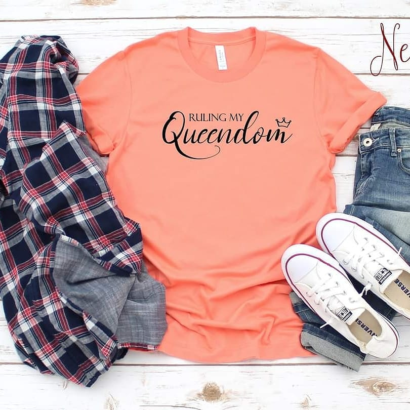 Rule your Queendom ladies!😍🔥🔥🔥🔥🏃👕👇👇  Sunset Peach, Mint, and Lilac.  Black with white design also available!  A MUST HAVE!    #tshirts #tshirtdesign  #tees #tuesdayvibe