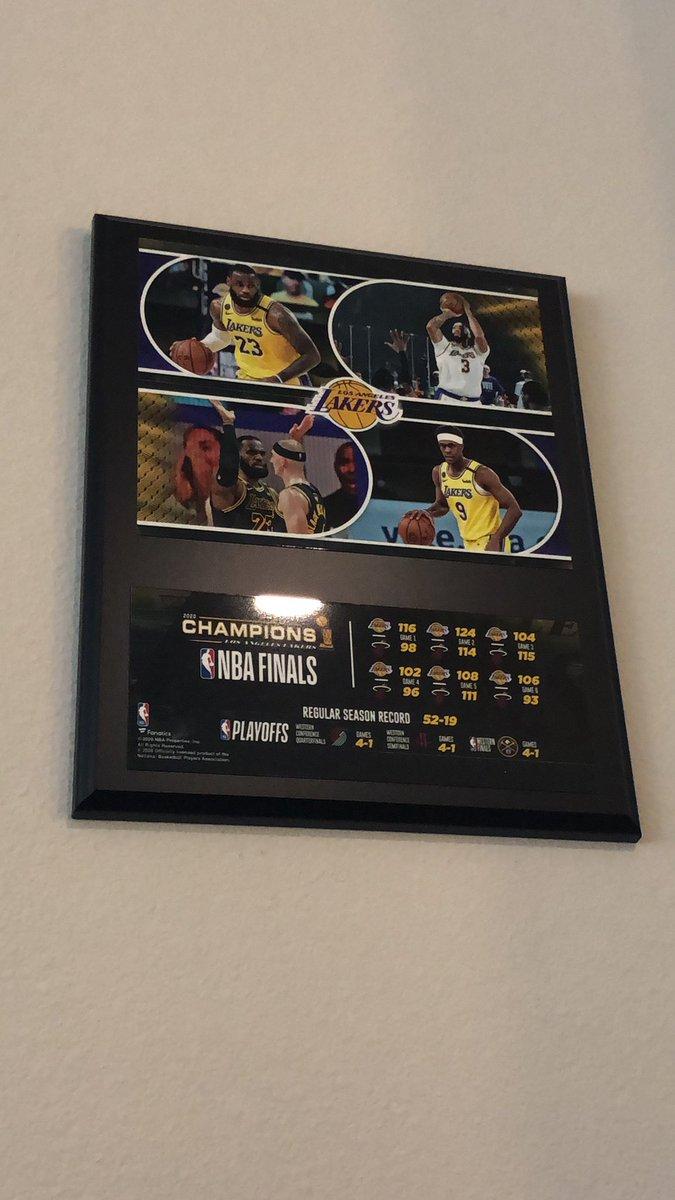 @Lakers @MichelobULTRA I need one please 🙏🏼 #ChampsBottle #Sweeps #LakeShow