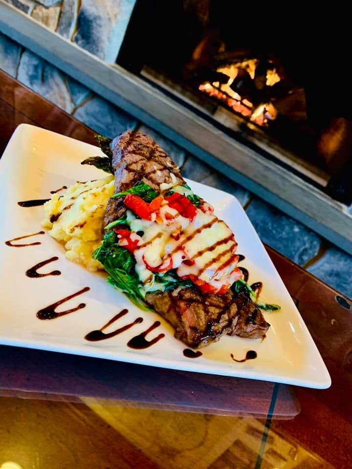 Steak Night at Woodloch Springs! 8oz NY strip with sautéed spinach, roasted red bell peppers, mozzarella cheese and balsamic glaze. Just $17! Dine in or #TakeOutTuesday! #hawleyPA https://t.co/6yjRMaSHMQ https://t.co/ESM8nZlf7T