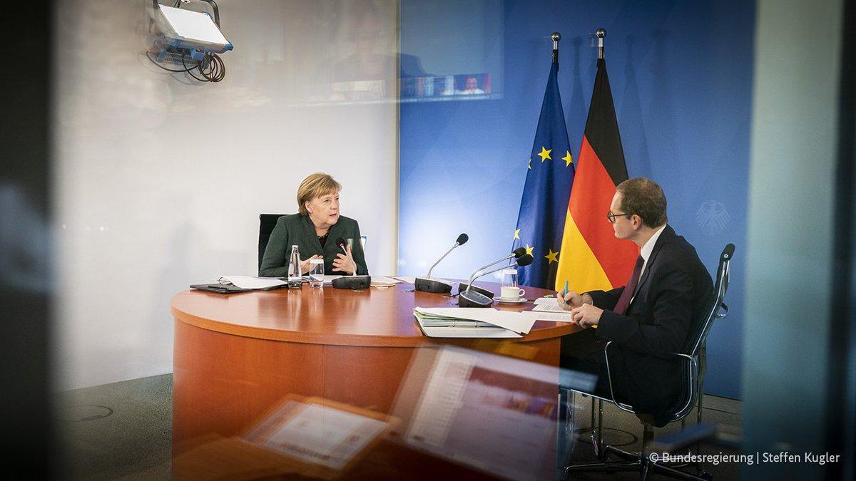 Die Pressekonferenz nach den Beratungen von Bund und Ländern zur Eindämmung der #Corona-Pandemie mit Kanzlerin #Merkel, @RegBerlin Müller und Bayerns MP @Markus_Soeder, gleich live hier: