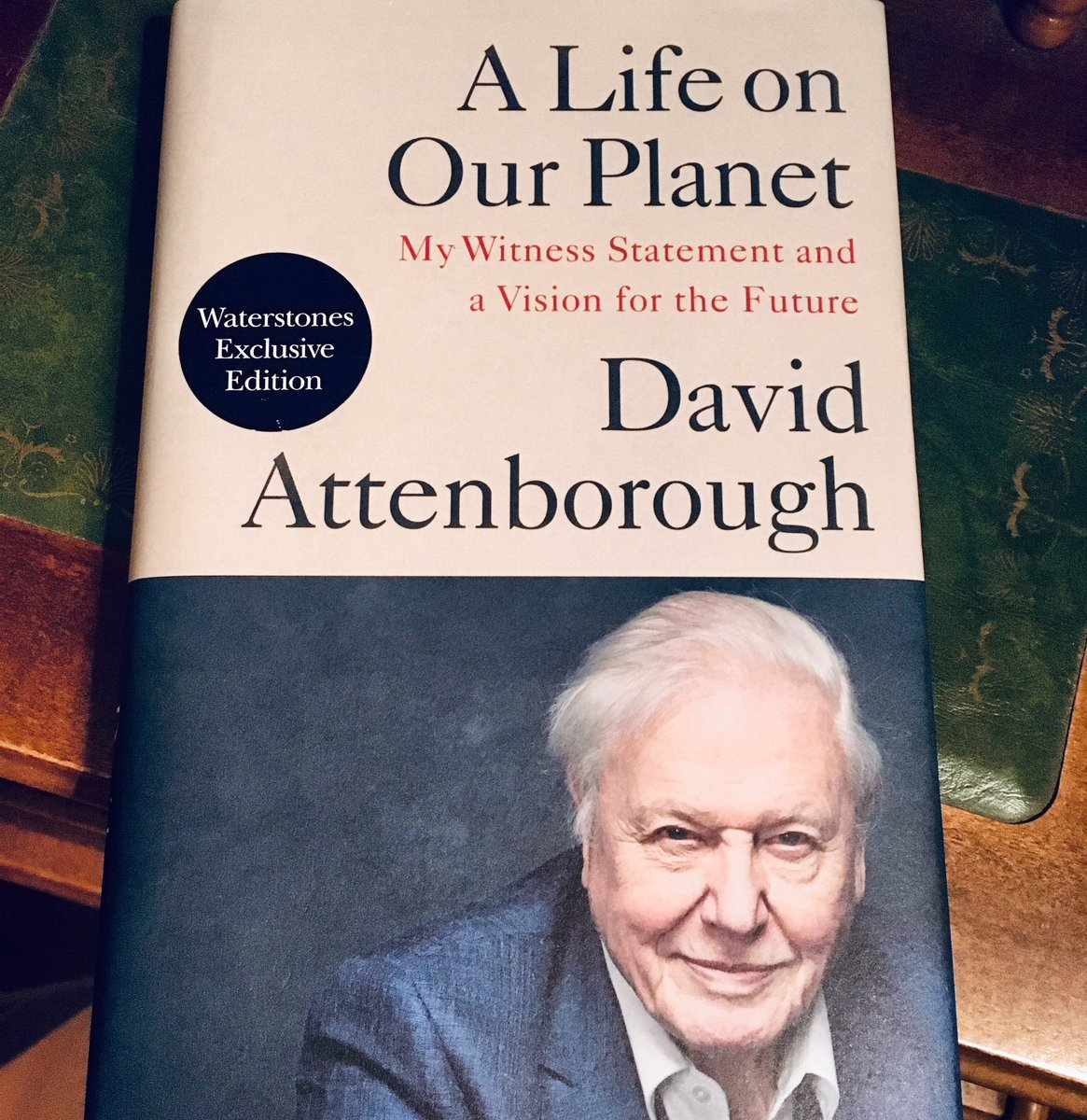 My most recent book review is up on Instagram:    #book #books #bookreview #bookreviews #DavidAttenborough #sirdavidattenborough #alifeonourplanet