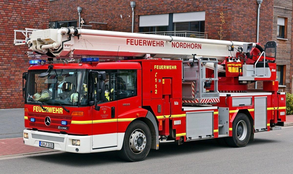 test Twitter Media - Nordhorner Feuerwehr unterstützt die Feuerwehr Lohne https://t.co/A6m7ua76yA https://t.co/WpbA7ZT3Hg