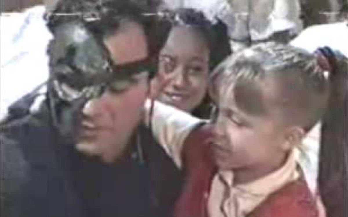 E esse crossover da #fazenda12 com #bbb21 ? ... Mateus Carrieri com Carla Dias em chiquititas. Big brother