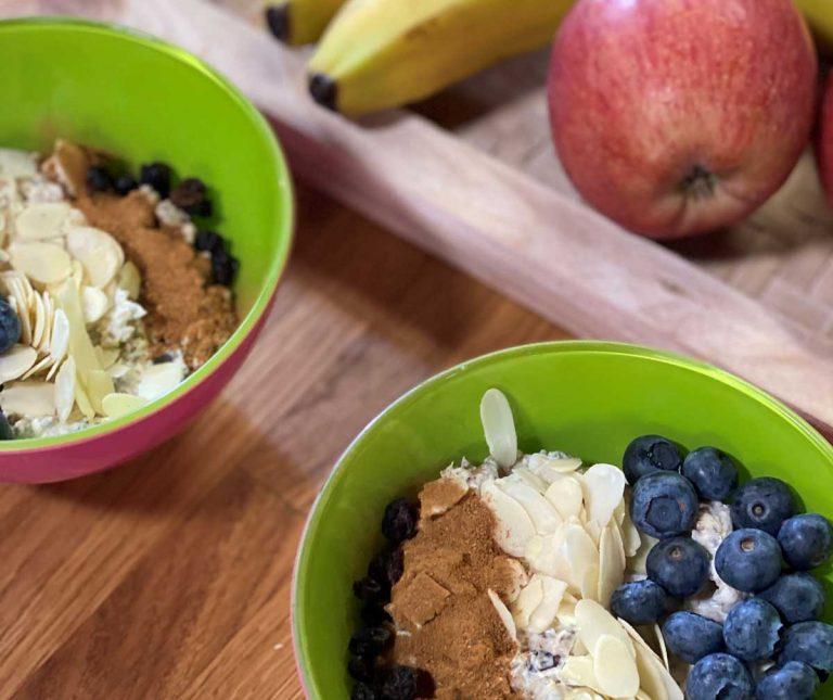 Καλημέρα!😘Ξεκίνα δυνατά με υγιεινό πρωινό με βρώμη και ταχίνι, σε ένα γρήγορο μπολ πρωινού με υπερτροφές και καλά λιπαρά. Πλούσιο σε ενέργεια και θρεπτική αξία!👉Δες τη συνταγή εδώ: https://t.co/67PRPf1ALI  #argirogr #argirobarbarigou #healthy #superfood #BREAKFASTINTHECITY https://t.co/JrkUYIzYmO