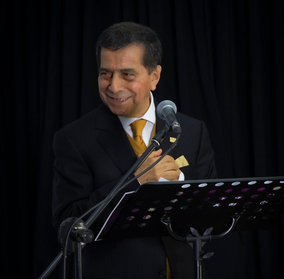 En grabación del programa #NocheDeMúsicaEnXalapa; homenaje póstumo al #SeñorAmor Don #ArmandoManzanero.  ¡Sigamos disfrutando de sus canciones! #CulturaUXalapa  Les deseo un extraordinario día amigas y amigos.