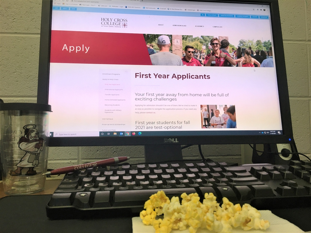 It's National Popcorn Day!   High school seniors - enjoy popcorn while filling out a college app for Holy Cross College! Nothing makes the process faster than a delicious salty snack. Visit   #NationalPopcornDay #futuresaint #myHCC #collegeapplication