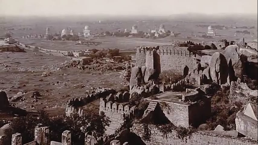 #Golconda #fort without #encroachments: There lies nothing between the Golconda fort and the Qutub Shahi tombs. But now, the entire area is #populated with buildings coming up. #Hyderabad #history #architecture