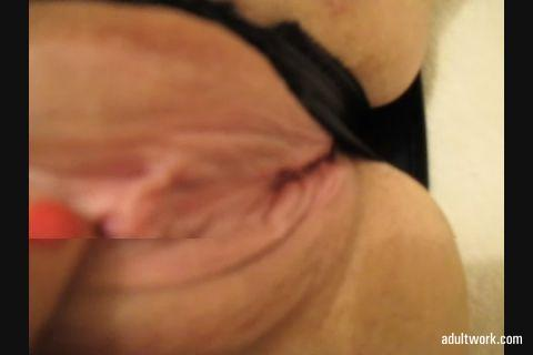 Another movie clip sold via #Adultwork.com! https://t.co/tylLyODxJ7 Shaven milf cunt, clit frigging x
