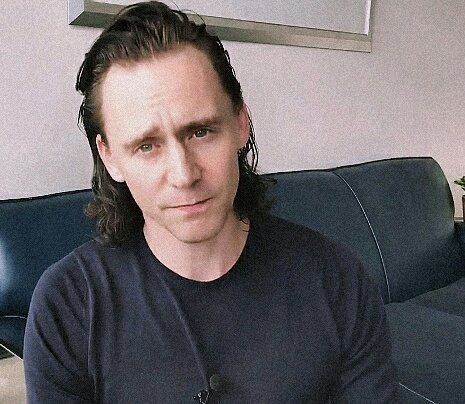 Almost a year difference and he didn't change a bit #TomHiddleston #Loki