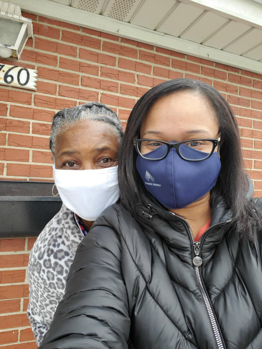 We're so proud of Elevators who participated in #MLKDayofService by delivering free groceries to families to honor Martin Luther King Jr. Day and serve our communities. Check out some of the photos! #MLKDAY #MLK #equity https://t.co/Pth4khy68G