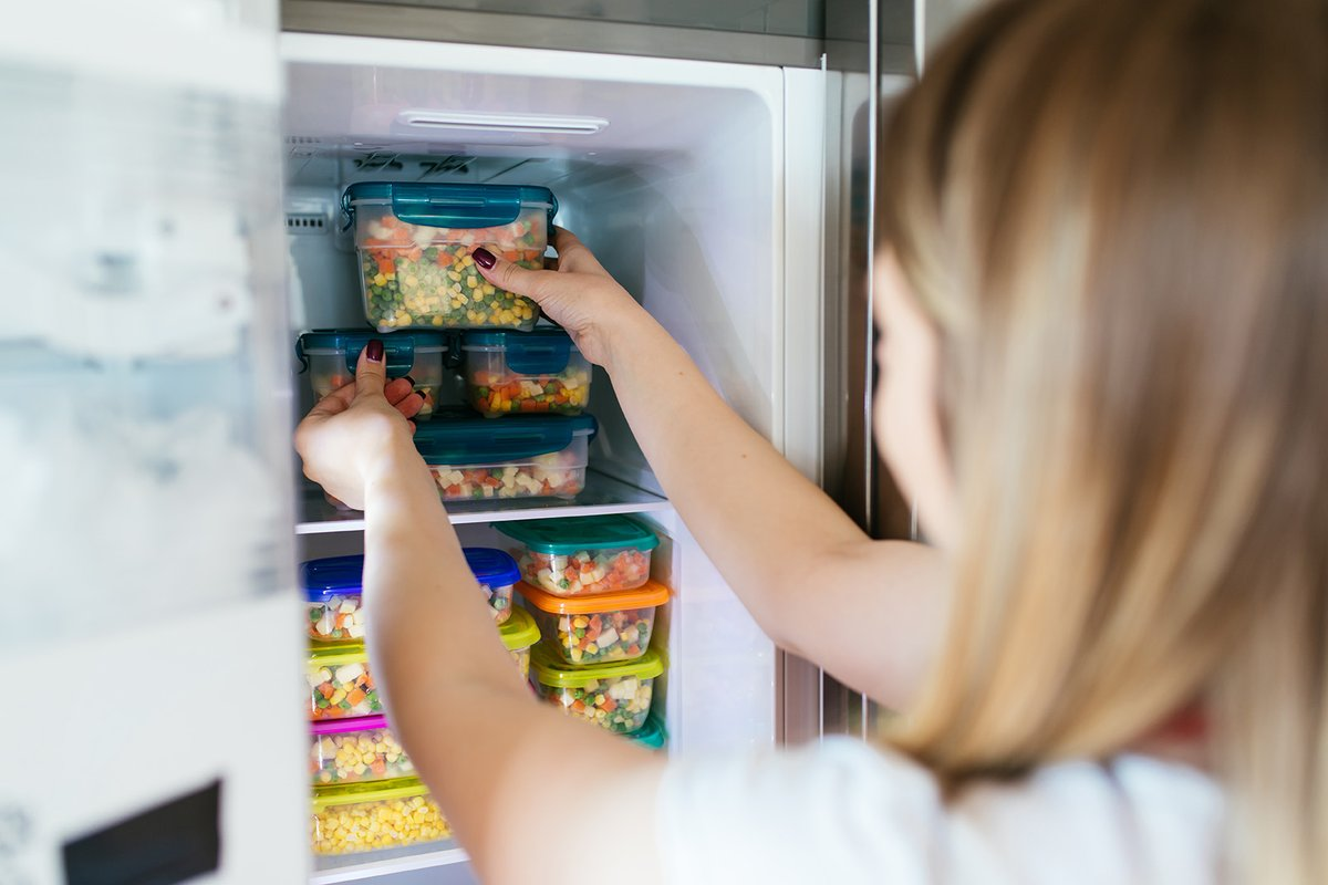 test Twitter Media - During power outages, keep refrigerator and freezer doors closed and only open them when necessary. If the door is kept closed, a full freezer will keep food frozen for 36 to 48 hours. https://t.co/EREiXJeiv6 https://t.co/V54XbJ1wrv