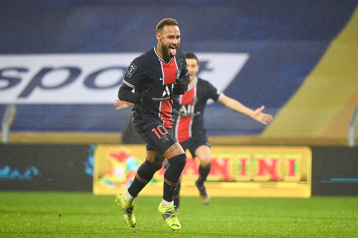 ⚽️#Football | #Neymar, six mois pour mettre le monde à ses pieds #PSG #ballondor