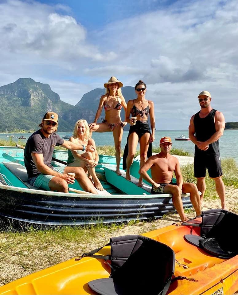 Así la escapada familiar de los Hemsworth a Lord Howe Island 😎. ¿Nos invitan? ☀️ (Fotos: Instagram) #celebs