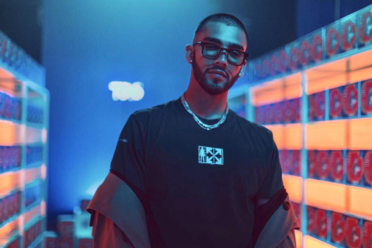 FELICIDADES!! 🎊 #LaNota llega al #1 en las listas de  @billboard #LatinAirplay y #LatinRhythm 👏 escrita por @ManuelTurizoMTZ @JTurizoMusic @zenzeimusic interpretada por #ManuelTurizo #myketowers🎶 y #rauwalejandro 🙌👊🔥🔥🔥 @LaIndustriaInc @SonyMusicLatin