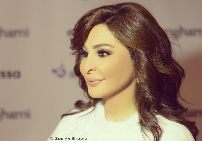بانكلترا في ملكة اسمها اليزابيت، وبالعالم العربي في ملكة اسمها #إليسا.. ملكة الارقام راجعة تتربع على عرشها على #انغامي @elissakh @anghami