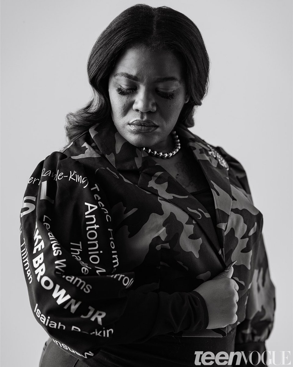 St. Louis is at the heart of everything we do — so we made sure to have as many people as possible from the Lou involved:  📝: @dereckapurnell 📸: @joefocus 💇🏾♀️: Carmeon Myers  And this jacket with the names of those we've lost to police violence in STL, made by Damika Bryant: