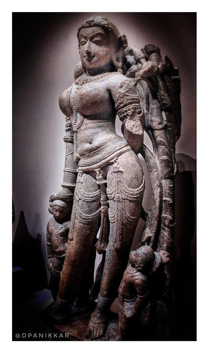 Replying to @dpanikkar: Surasundari. Rajasthan, 11th Century. Metropolitan Museum of Art.