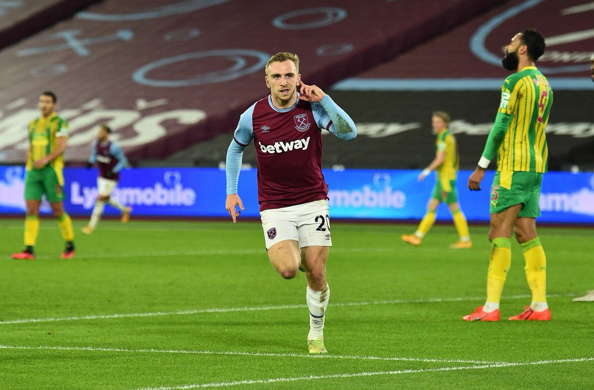 HALF-TIME West Ham 1-0 West Brom  West Ham go into the interval with a slender lead thanks to Jarrod Bowen  #WHUWBA