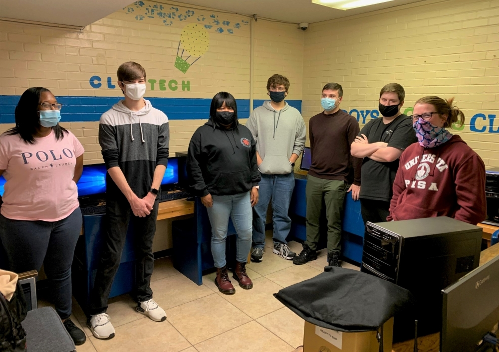 While most students enjoyed the #Thanksgiving2020 holiday at home, one small group of #cyberdefense students spent their break installing upgrades on computers at the Boys and Girls Club of Southeast Georgia--->   #MarinerSpirit #HailTheSail