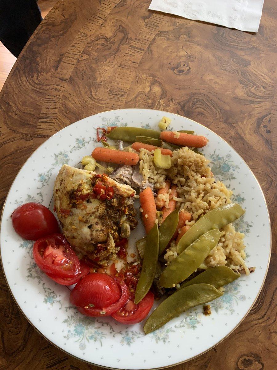 No boring #Lunch! My Beloved wanted spicy, so #Moroccan Chicken & #Heirloom Carolina #Rice with vegetables. #Foodie #tuesdayvibe #TuesdayFeeling @SimonHButler @peterproud9 @dan52036 @_ayeli_