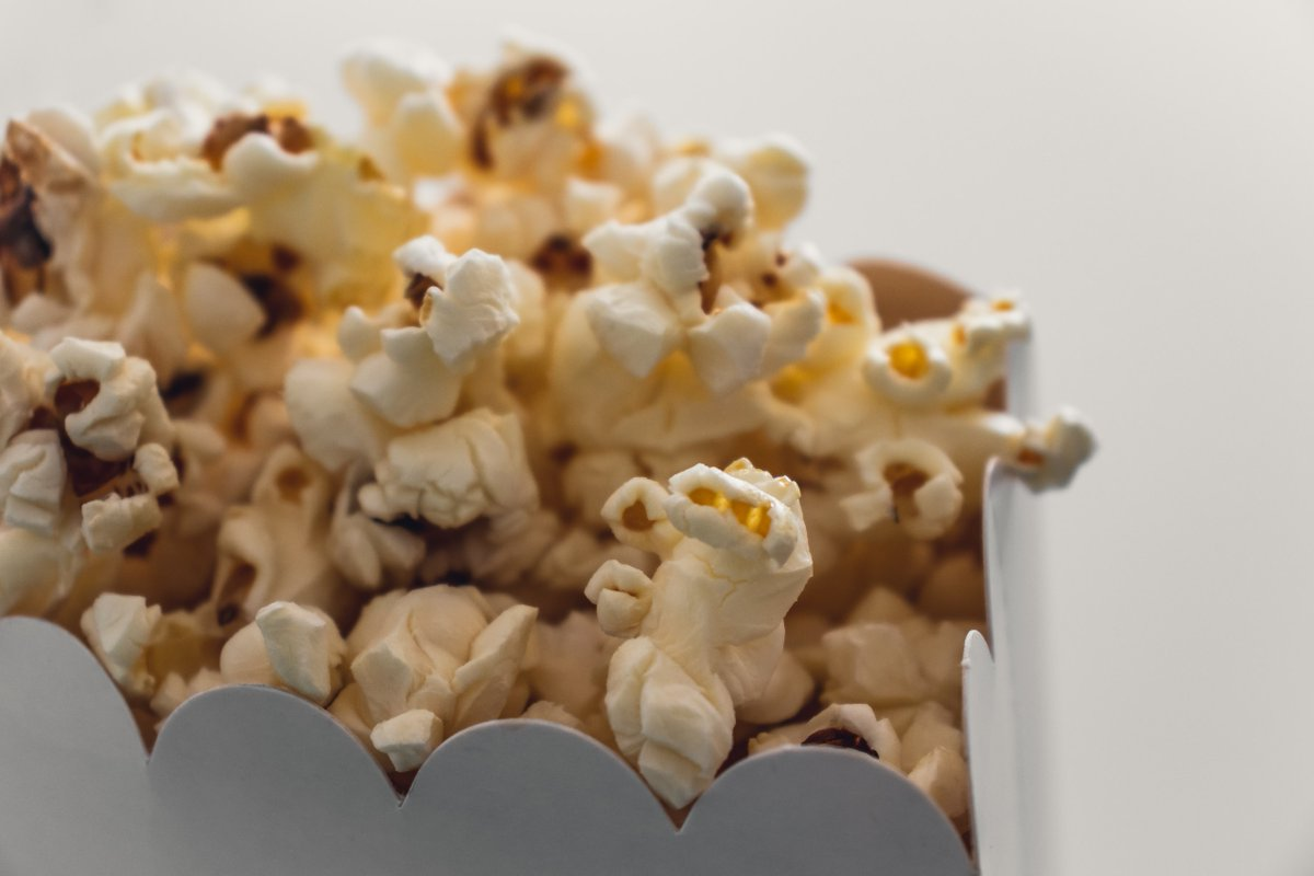 It's #NationalPopcornDay 🍿 and we're excited to teach you something interesting about this POPular snack! There is only ONE variety of corn that can produce popping kernels -zea mays everta. #popcorn
