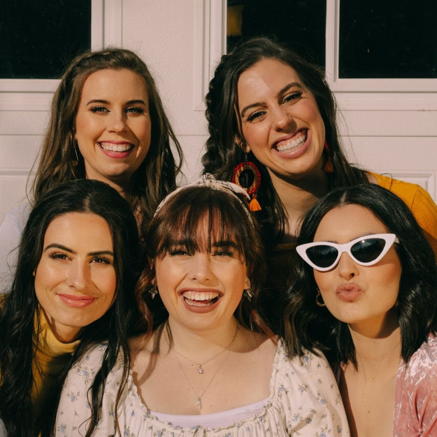 .@Cimorelliband was the first ever female artist to win the title of Most Requested Artist on the @MTV #FridayLivestream.