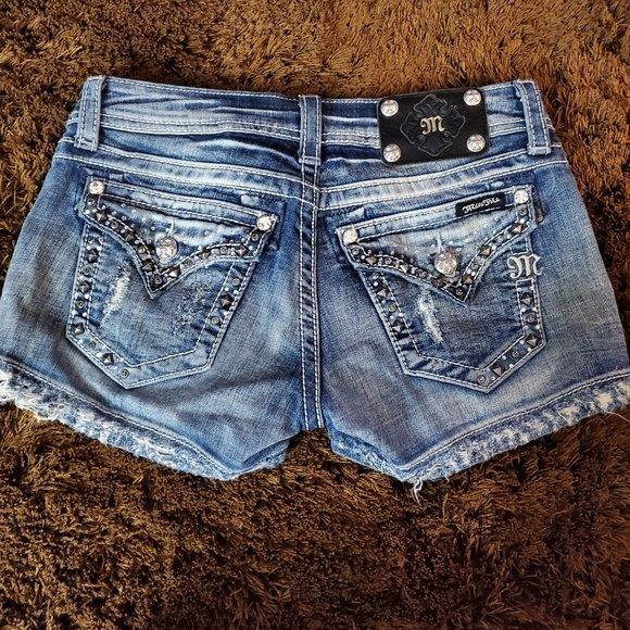 So good I had to share! Check out all the items I'm loving on @Poshmarkapp #poshmark #fashion #style #shopmycloset #missme #fabletics:
